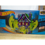 Pista Hot Wheels Casa De Fantasmas Vs Modelos Incluye Auto