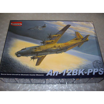 Antonov A N-12 B K P P S - Roden - 1/72