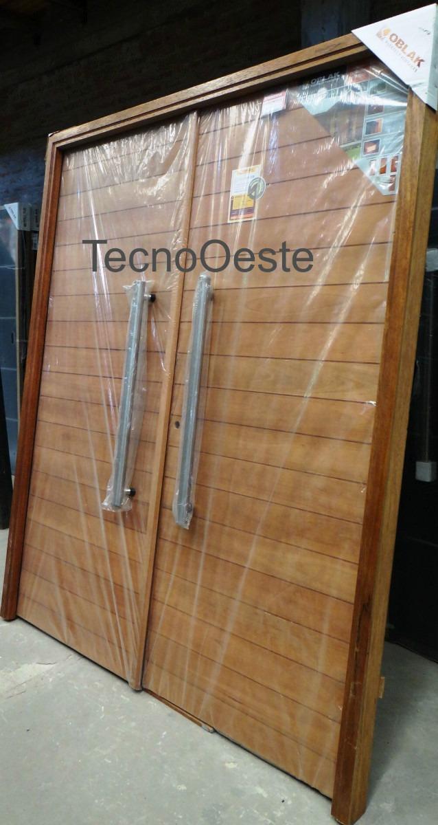 Puertas dobles de madera great portada oblak madera for Puertas dobles de madera