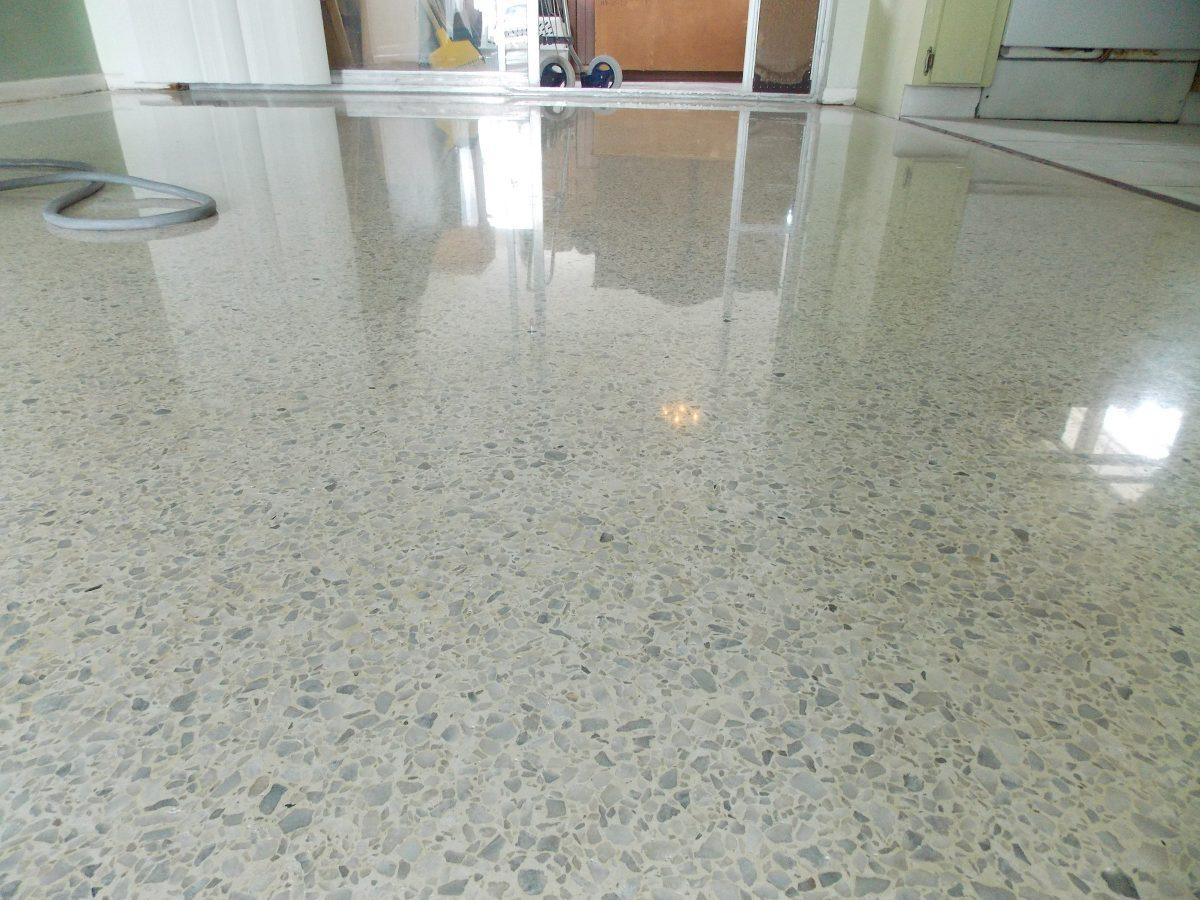 Pulido pisos mosaico m rmol terrazos granito capital for Como pulir marmol