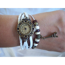 Reloj Pulsera Vintage De Mujer Malla De Cuero Con Dije Nuevo