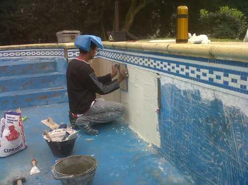 Reparacion de piscinas de hormigon for Construccion de piscinas en granada