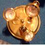 Plafón-metálico-bronceado-con 3-luces-dicroicas-dirigibles