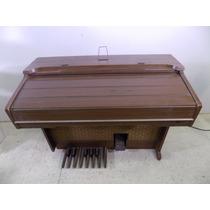 Organo Yamaha Electone. Fundación Tzedaká