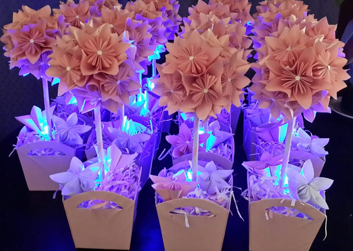 Centros de mesa con flores de papel de seda car interior - Centros de mesa de papel ...