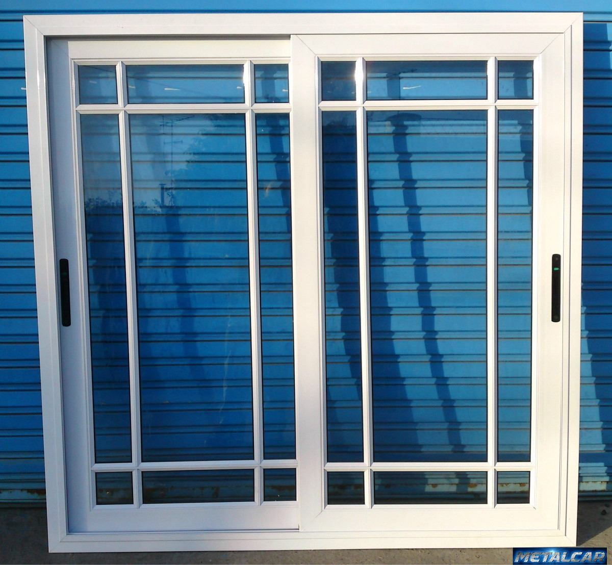 Ventas de aluminio puerta ventana balcon x repartido con for Puertas balcon usadas