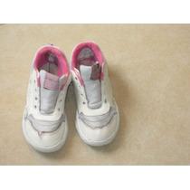 Zapatillas Plumitas T:30 Blanca C/ Florcitas Rosa Tipo Cuero