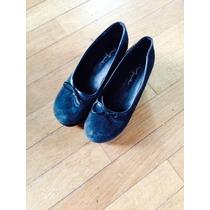 Zapato Negro Con Plataforma Gamuza Con Moño