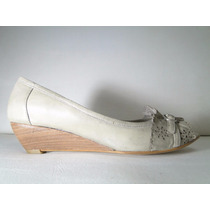 33 Designs - Art.334 - Zapato De Cuero Bajo Con Taco Chino