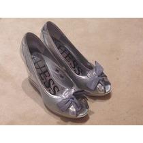Zapatos Pin Up Plateados Marca Guess