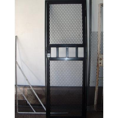 Puerta de malla de metal desplegado rejas y frentes - Mallas de hierro ...