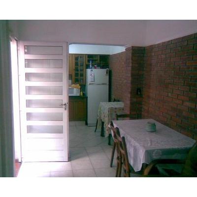 Casas en alquiler temporario en v lez sarsfield 208 for Aberturas centro rosario
