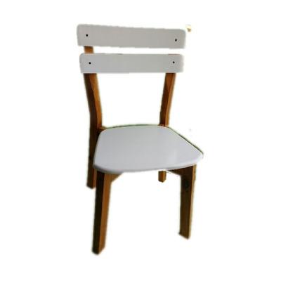 Silla estilo laqueada en roble y blanco muebles de pino for Sillas para quincho