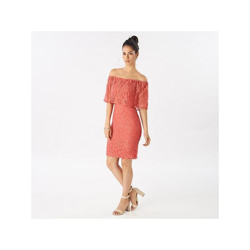 Vestido encaje rosa hombro caído 014447