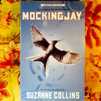 Suzanne Collins.  MOCKINGJAY.  (Large print.)