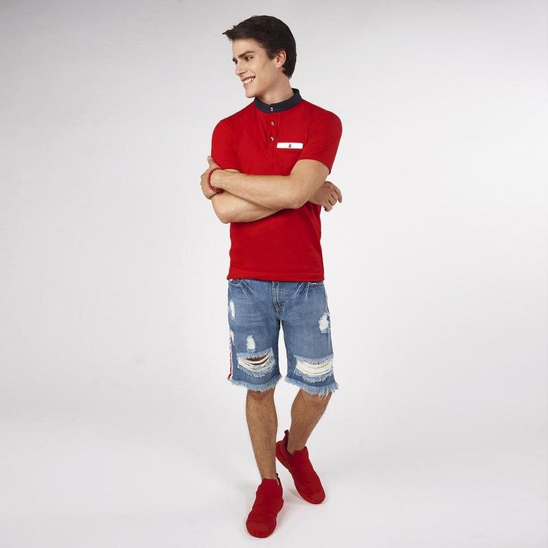 Camisa Roja Con Cuello Azul 019280