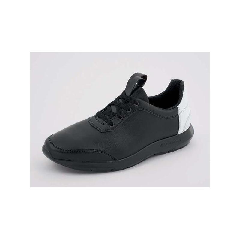 Sneakers negros talón blanco 018313