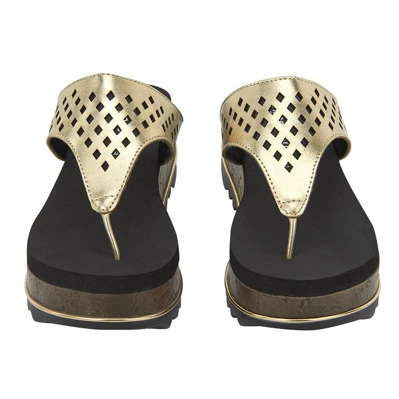 Sandalia De Plataforma Oro Con Perforaciones 020964