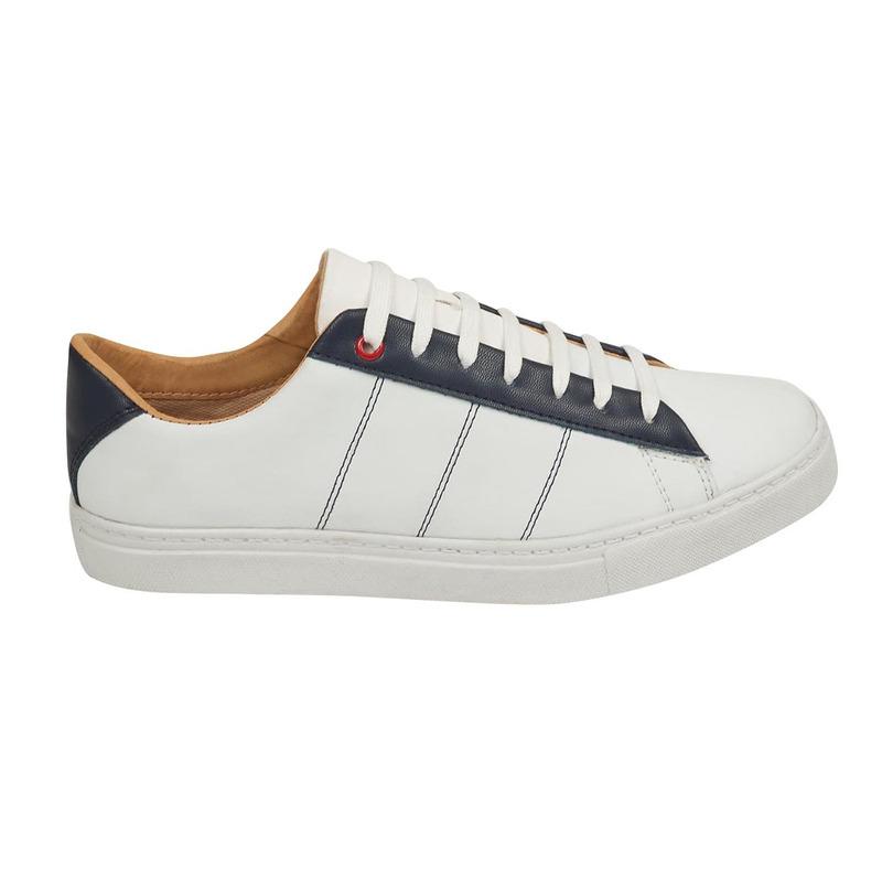 Sneakers blancos textura azul 018574