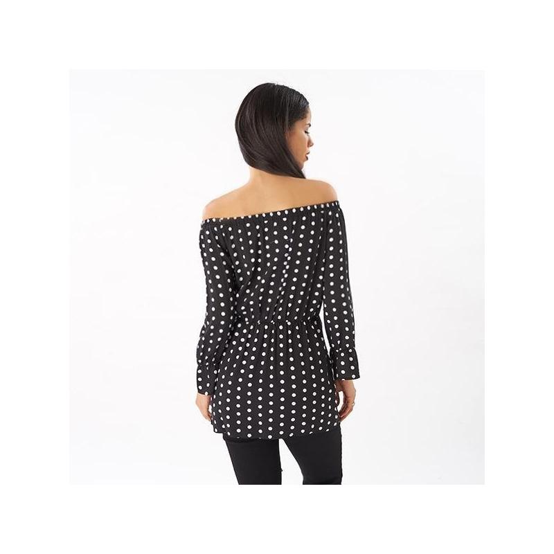 Blusa negra manga larga hombro caído 019101