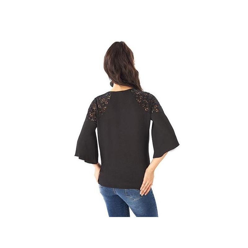 Blusa negra encaje manga 3/4  014358