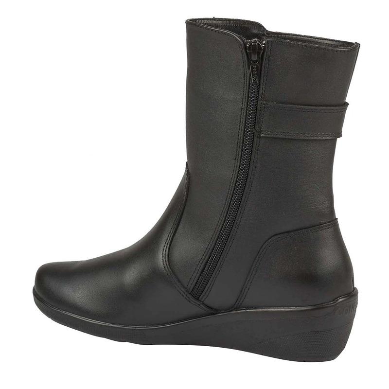 Bota plataforma negra piel cierre  016655