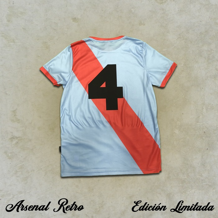 Camiseta Retro - Pedro Dudzik