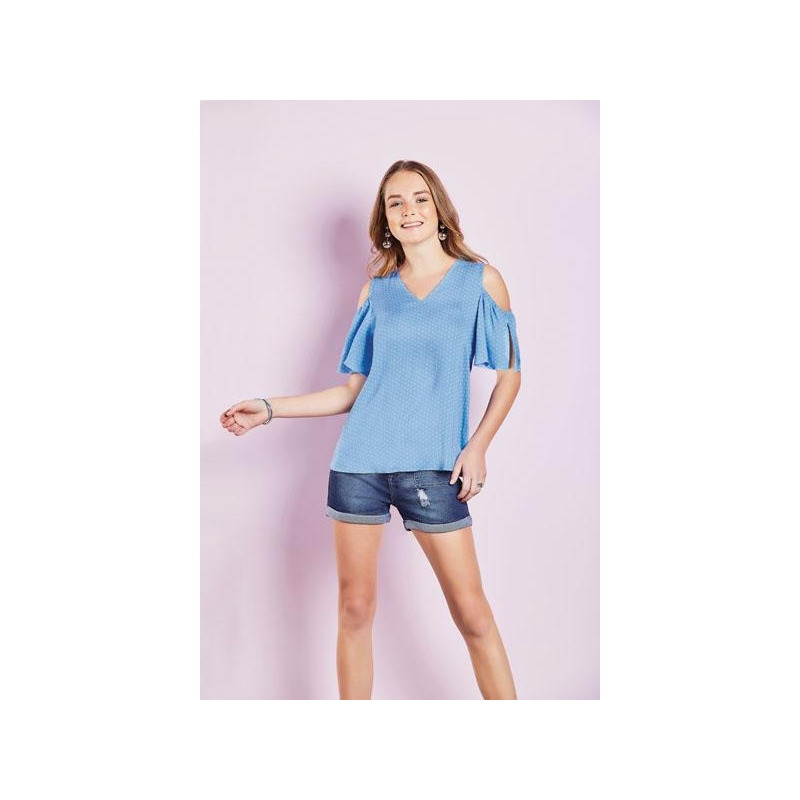 Blusa azul sin manga 015110