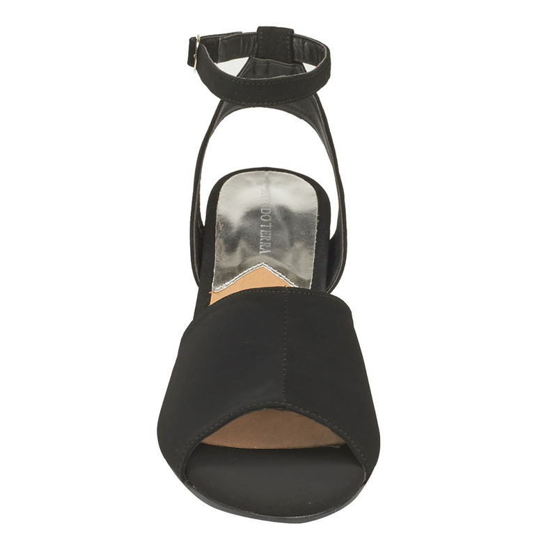 Sandalia tacón negra con pulsera  016786