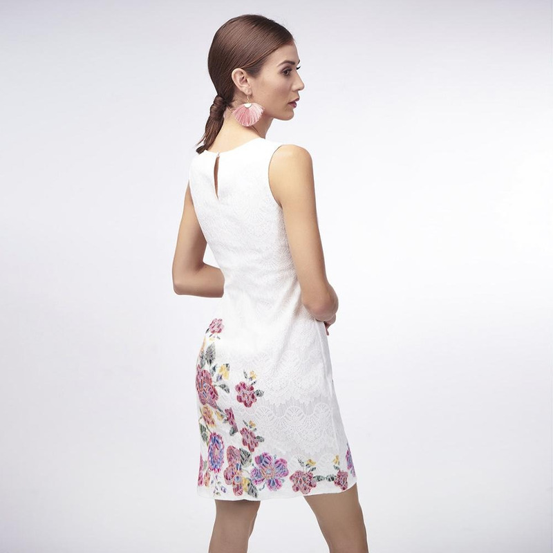 Vestido Blanco Con Detalle Multicolor 019328