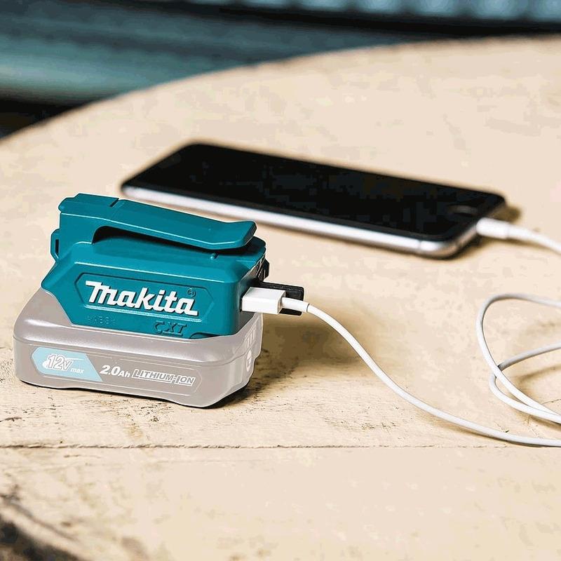 Adaptador Compacto USB para Carregar Dispositivos Móveis - ADP06 - Makita