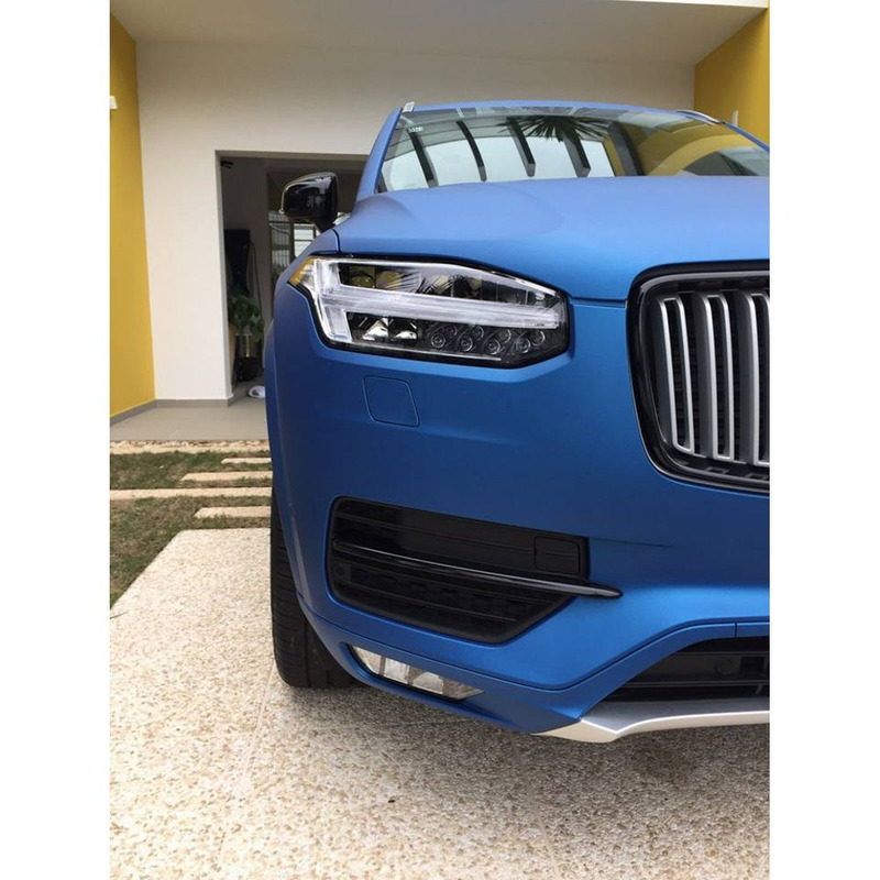 Adesivo para envelopamento automotivo jateado metallic blue larg. 1,38 m