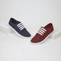 Combo sneakers marino y tinto 016542
