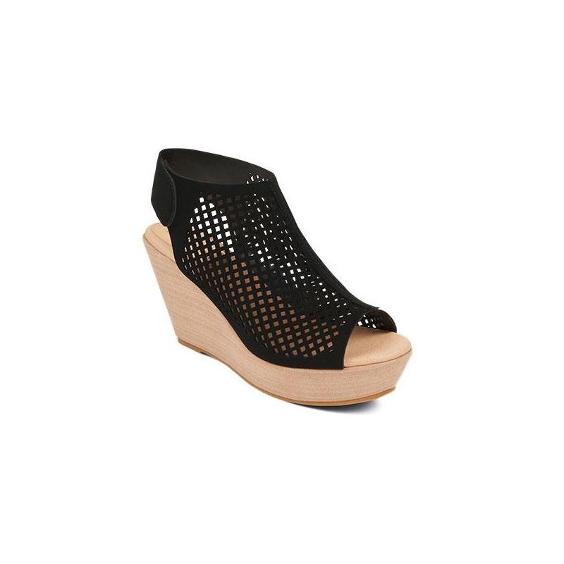 Sandalia plataforma negra con malla  016680