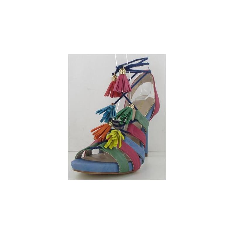 Sandalia tacón multicolor con colgantes 013315